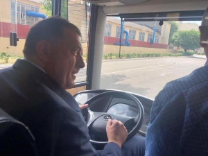 Dodik vozio autobus u Bjelorusiji: Želja mu je ispunjena