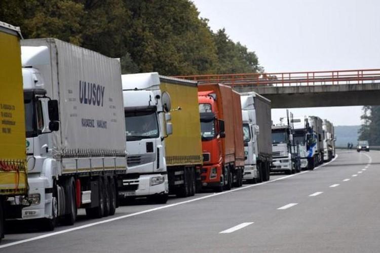 Srbija zbog prištinskih taksi dnevno gubi milion eura