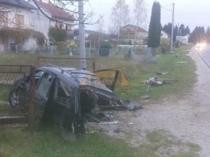 Auto se prepolovio: Nevjerovatna nesreća