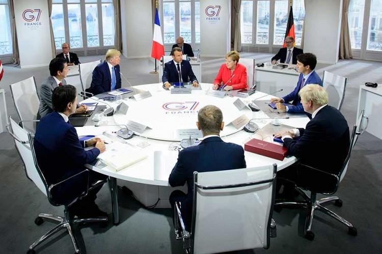Napeto na večeri G7