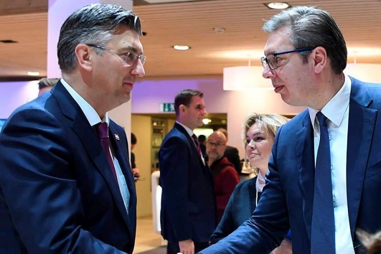 Susret Vučića i Plenkovića u Davosu