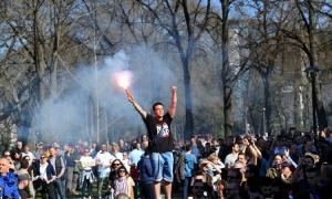Demonstranti stigli pred policiju, u stanici i Stefanović