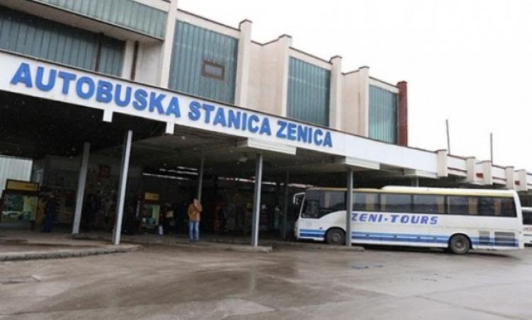 Radnici 'Zenicatransa' nastavljaju blokadu Autobuske stanice