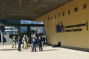 Pokušao se zapaliti pred Europskom komisijom: 'Rekao je da je Hrvat i da je ljut na Srbe'