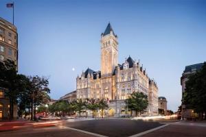 Tramp prodaje hotel za dva miliona dolara po sobi