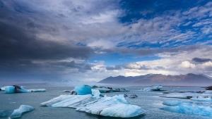 "Prvi nadgrobni spomenik glečeru: Island službeno objavio prvu ""smrt"" glečera, na ceremoniji ""proglašenja smrti"" i premijerka"