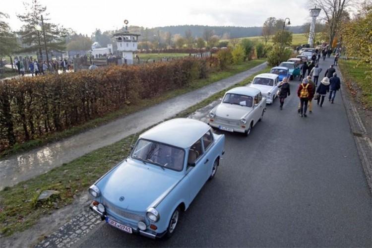 Paradom Trabanata obilježili pad Berlinskog zida