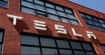 130 miliona $ odštete crnom radniku zbog rasizma: Toliko Tesla mora platiti bivšem crnom zaposleniku