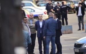 Demonstrante dočekao ministar, roditelji uhapšenih ušli unutra