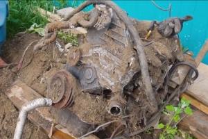 """Prije godinu dana zakopali su Toyotin dizelaš: Da li će da """"zavergla""""?"""