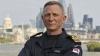 Glumac počasni komadant -  Daniel Craig počasni komandant britanske mornarice, kao agent 007