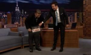 Skinuo pantalone u programu uživo - Alec Boldwin pokazao koliko je smršao (video)