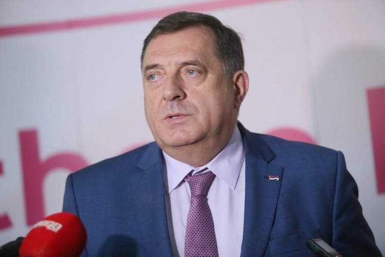 Dodik: Tvrdnje Džaferovića i Komšića izmišljanje i izigravanje javnosti