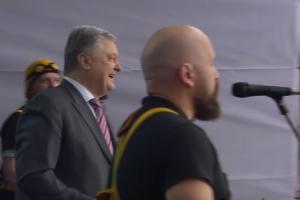 (video) Porošenko se rasplesao čekajući izbornog rivala