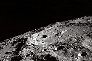 Naučnici tvrde da na Mjesecu ima vode u izobilju