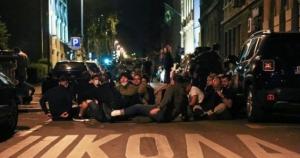 Dramatična noć u Beogradu: Uhapšene 23 osobe, na desetine povrijeđenih