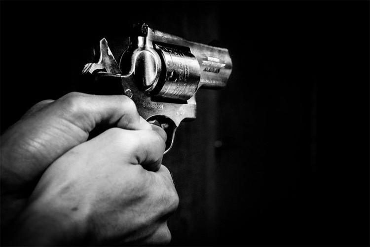 Slijep sa dozvolom za oružje - Samo u BiH