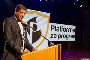 Hadžikadić: Ostavka svih ministara