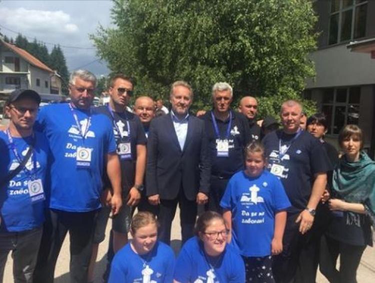 Izetbegović u Kalinoviku: Vrijeme je da da se suočite za zločinom, da se odreknete svojih zločinaca