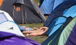 Pijani Poljak autom prošao kroz šator i pregazio Talijana
