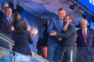 Dodik u zagrljaju sa Medvedovim (VIDEO)