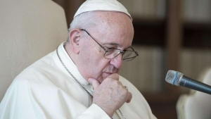 Papa krenuo na Kinu - Prvi put nazvao Ujgure 'progonjenim' narodom