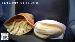 Islanđani uživo prate odumiranje posljednjeg McDonald'sovog burgera