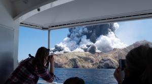 Pronađena živa nakon fatalne erupcije vulkana: Australka s teškim opeklinama u bolnici
