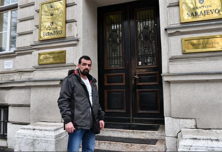 Traži 50 000 KM: Sadmir Tarić tvrdi da je policiju doveo do Edina Gačića