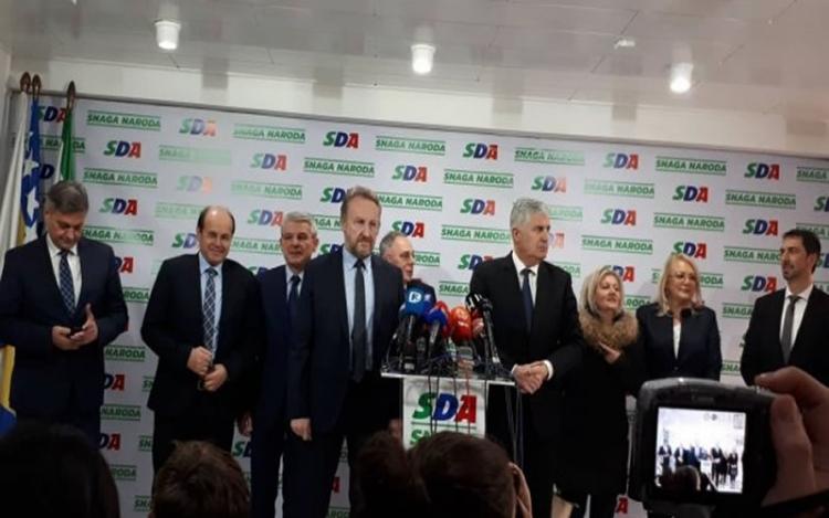 Čović: Razgovarat ću s Dodikom o NATO putu; Izetbegović: Ovo je korak ka ulasku u koaliciju na svim nivoima