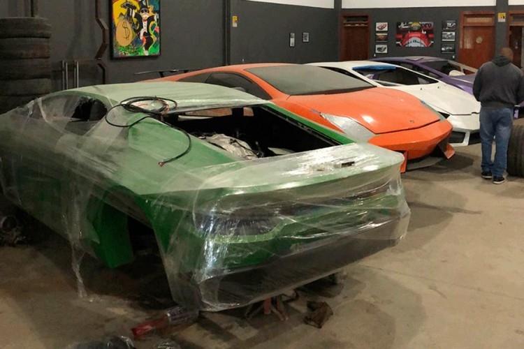 Otac i sin pravili lažne Ferrarije i Lamborghinije