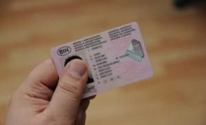Izdali vozačke dozvole osobama bez položenog ispita