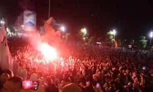 U Beogradu protest protiv novih mjera, policija spriječila demonstrante da uđu Skupštinu