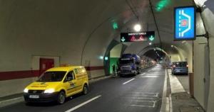 Troje poginulo na autoputu kod Sarajeva, među njima i dijete