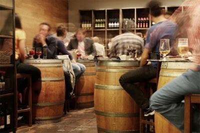 Otvaraju 'corona-free' pub, testirat će goste na ulazu