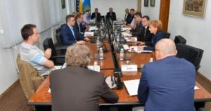 Vlada TK nije prihvatila izvještaje 16 ustanova i javnih preduzeća