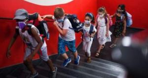 """""""Tiha žarišta epidemije"""", novi termin u Covid rječniku plasiran iz Hrvatske - Jesu li škole, posebno srednje, tiha žarišta epidemije?"""