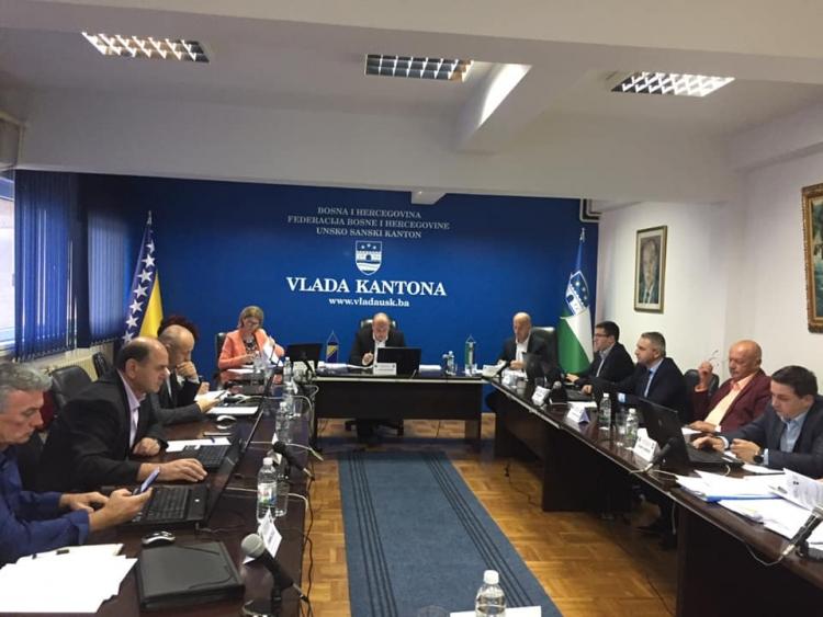 Vlada USK krivičnom prijavom protiv predsjednice Sindikata: Poziv direktorima da uspostave nastavu