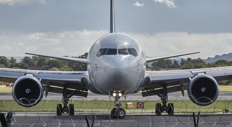 Prosuta kafa kobna za Airbus: Pilot prosuo kafu po kontrolnoj tabli, avion morao prinudno da sleti