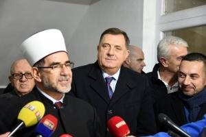 Dodik donirao 100.000 KM za gradnju Islamskog centra u Doboju