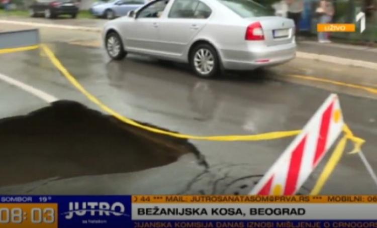BG: Krater od dva metra nasred ulice, ulice se urušavaju od posljedice nevremena u Beogradu