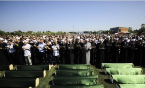 Klanjana dženaza za 86 žrtava iz Prijedora i Kotor Varoši