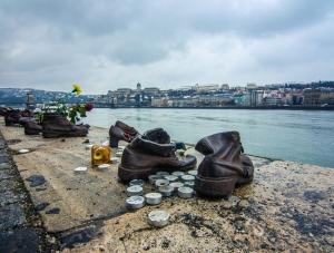 Jeziva istina iza željeznih cipela: Spomenik koji bi svi trebali vidjeti!