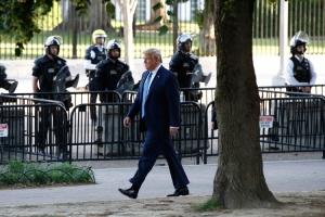 Tramp mobilisao vojsku: Raspoređujem hiljade i hiljade naoružanih vojnika