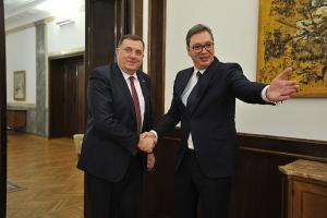 Mile je odličan poznavalac rakija: Vučić otkrio šta najviše voli piti kada je sa Dodikom