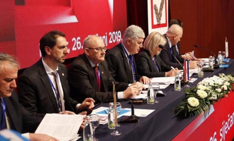 HNS: Nedopustivo koristiti NATO za blokade