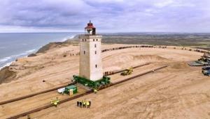 U Danskoj premješten svjetionik star 120 godina